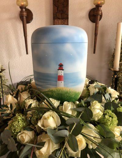 Urne mit Motiv Küste und Leuchtturm